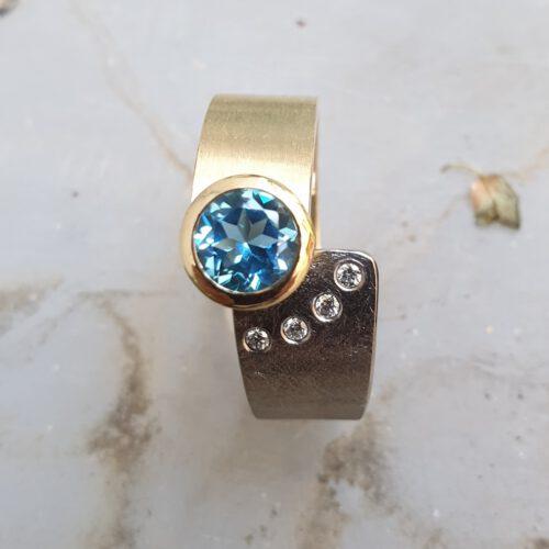 Ring mit Brillanten, Topas 585 Gold