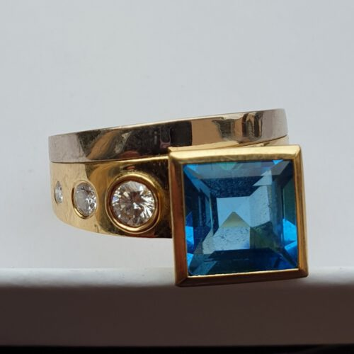 Ring mit Brillanten Topas 750 Gold
